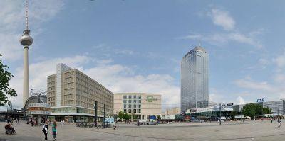 Alexanderplatz s TV tornjem