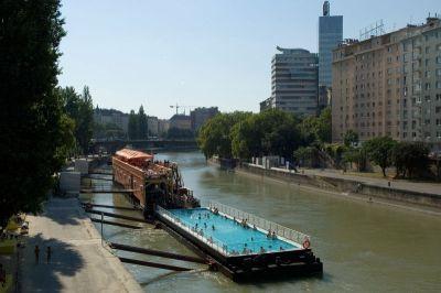 Bazen na dunavskom kanalu