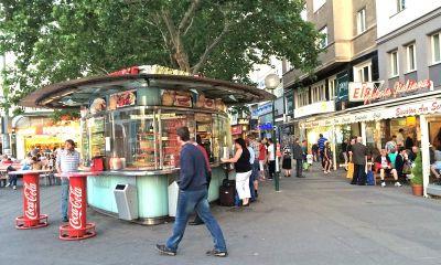 Schwedenplatz: Terase, kiosci s hranom, Beč s dušom