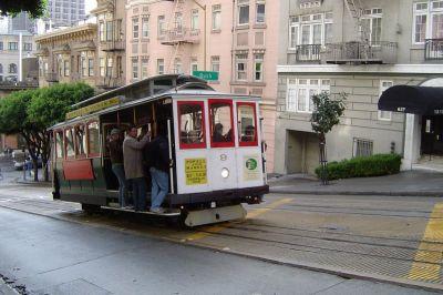 Povijesni tramvaj spektakl je za turiste