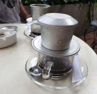 Vijetnamci piju fantastičnu kavu iz ovakvih posuda