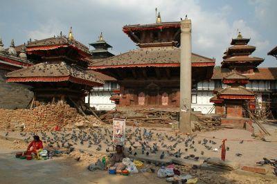 Stoljetni hramovi na Durbar trgu teško su stradali