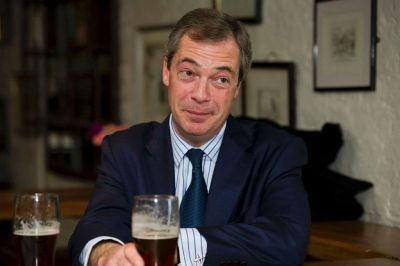 Čelnik UKIP-a Farage nije ušao u parlament